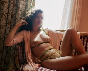 Giovannina nuru massage in Sun Prairie, escort