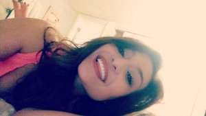 Chrystell escort girls in Gainesville