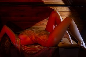 Madalina escort girl in Rutland Vermont & nuru massage