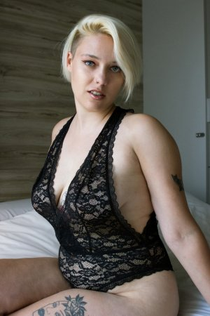 Aliciane call girls & nuru massage