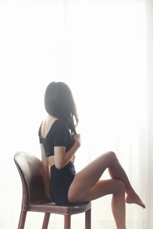 Jahida asian escort in Elon & massage parlor