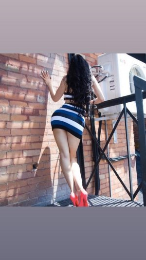 Leilla nuru massage and asian escort girl